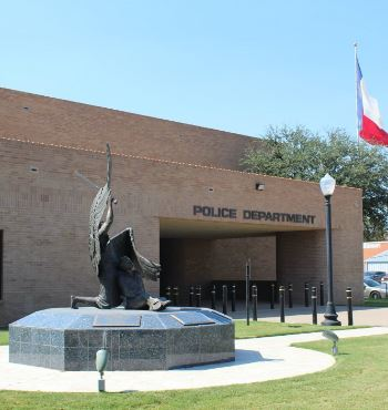 Angel statue in front of the PD